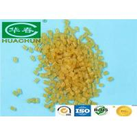 Glassy yellow hot melt glue adhesive for PVC plastic , hot melt pellets Manufactures