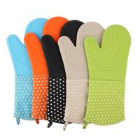 China Silicone Baking Gloves Dot Printed Heatproof Kitchen Oven Mitts , Kitchen Mitts wholesale